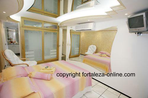 Fortaleza Brasilien Appartment Olympia - Deckenspiegel schlafzimmer